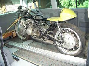 Kawasaki--H-1-R-ist-da-001.jpg (99180 Byte)