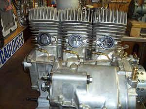 Kawasaki--H-1-R-ist-da-039.jpg (88366 Byte)