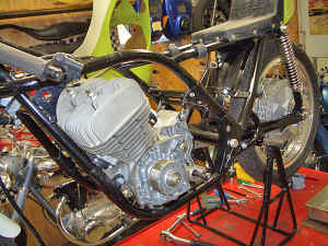 Kawasaki--H-1-R-ist-da-046.jpg (319683 Byte)