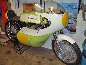 Kawasaki--H-1-R-ist-da-066.jpg (239850 Byte)