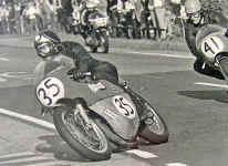 barry-sheene-1970-bulto.jpg (272027 Byte)