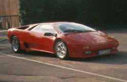 http://www.classic-motorrad.de/db/Braendle/Ferrari-95-2000.jpg (17126 Byte)