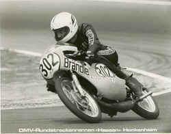 http://www.classic-motorrad.de/db/Braendle/Hockenheim-75.jpg (23005 Byte)