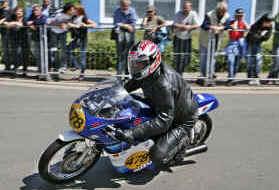 Erfurter Doppelring 2009.JPG (117170 Byte)