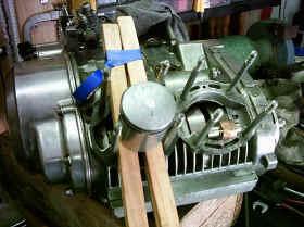 Motormontage 1.JPG (116877 Byte)