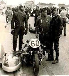 http://www.classic-motorrad.de/db/Eberhard-Jaster/berlin.jpg (24435 Byte)