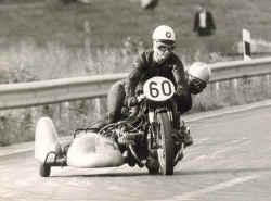 http://www.classic-motorrad.de/db/Eberhard-Jaster/gespann.jpg (42909 Byte)