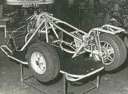 http://www.classic-motorrad.de/db/Ente/web/Stiddien-Bader-Saison-75-2.jpg (52631 Byte)