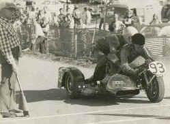 http://www.classic-motorrad.de/db/Ente/web/Stiddien-Bader-Saison-75-50.jpg (38699 Byte)