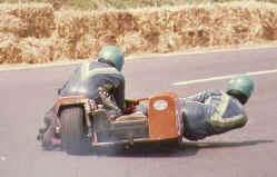 http://www.classic-motorrad.de/db/Ente/web/Stiddien-Mainka-80-33.jpg (28012 Byte)
