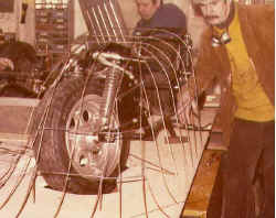 http://www.classic-motorrad.de/db/Ente/web/stiddien-bader-77-verkleidu.jpg (39950 Byte)