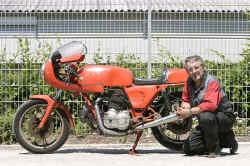 http://www.classic-motorrad.de/db/FJS/Bilder/FJS-Duc.jpg (54257 Byte)