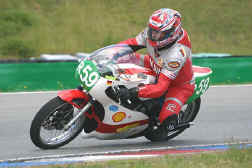 http://www.classic-motorrad.de/db/FJS/Bilder/FJS-Oschersleben-2004.jpg (29182 Byte)