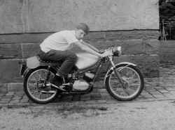 http://www.classic-motorrad.de/db/FJS/Bilder/FJS-racehistorie03.jpg (64175 Byte)