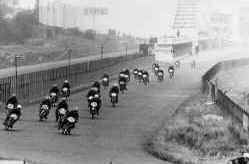 http://www.classic-motorrad.de/db/FJS/Bilder/FJS-racehistorie07.jpg (61839 Byte)