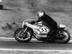 http://www.classic-motorrad.de/db/FJS/Bilder/FJS-racehistorie10.jpg (61287 Byte)