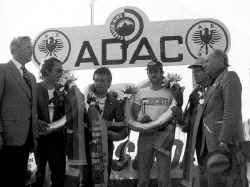 http://www.classic-motorrad.de/db/FJS/Bilder/FJS-racehistorie12.jpg (54549 Byte)