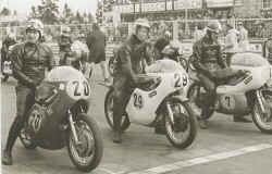 http://www.classic-motorrad.de/db/Florin/Kurt-Florin-Nuerburgring_Su.jpg (32409 Byte)