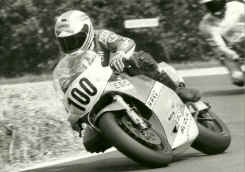 http://www.classic-motorrad.de/db/Harry-Heutmekers/harry-heutmekers_08.jpg (199943 Byte)