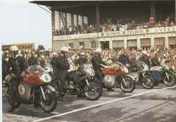 http://www.classic-motorrad.de/db/Hiller-Ernst/ernst-hiller-ring58.jpg (35393 Byte)