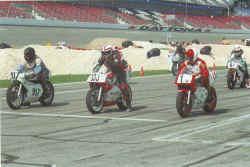 http://www.classic-motorrad.de/db/Hoffmann/Daytona-1999-250-1Pl.jpg (24744 Byte)