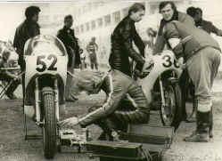 http://www.classic-motorrad.de/db/Hoffmann/Nivelles-75-Yam-354.jpg (31010 Byte)