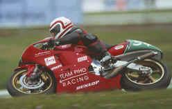 http://www.classic-motorrad.de/db/Hoffmann/TSR-Honda250-Hockenheim-200.jpg (18864 Byte)