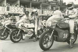 http://www.classic-motorrad.de/db/Hoffmann/n-fotos/Hoffmann-Spa-77.jpg (45610 Byte)