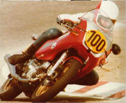 17.1.Ducati Pantah 500.1981.jpg (70244 Byte)