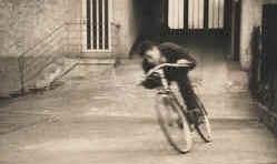 1961-rad-vom-schrott.jpg (50889 Byte)