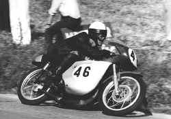 1965-bulto-2.jpg (108134 Byte)