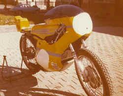 1975-Teilwassergekuehlte-Ya.jpg (35293 Byte)