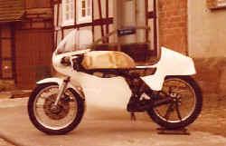 http://www.classic-motorrad.de/db/Scheibe/1978 Tz250 auf 350.jpg (26026 Byte)