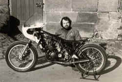 http://www.classic-motorrad.de/db/Scheibe/TZ250 1978.jpg (52933 Byte)