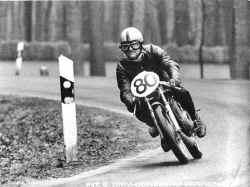 http://www.classic-motorrad.de/db/Schobloch/barry_schobloch_08.jpg (29235 Byte)