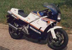 1985-ns400r.jpg (85091 Byte)
