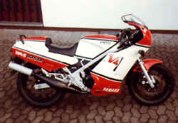 1985-rd500-1.jpg (63789 Byte)