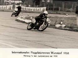 1968-wunsdorf-flugplatz.jpg (52360 Byte)