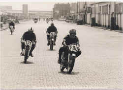 1971-dickmann-bremerhaven.jpg (96534 Byte)