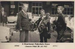 1962-sondergeld-bremerhaven-siegerehrung.jpg (99140 Byte)