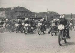 1962-sondergeld-bremerhaven-start.jpg (92083 Byte)