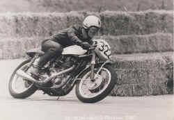 1967-lahfeld-avus.jpg (91796 Byte)