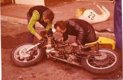 1976-lahfeld-paul-ric-koeni.jpg (97584 Byte)