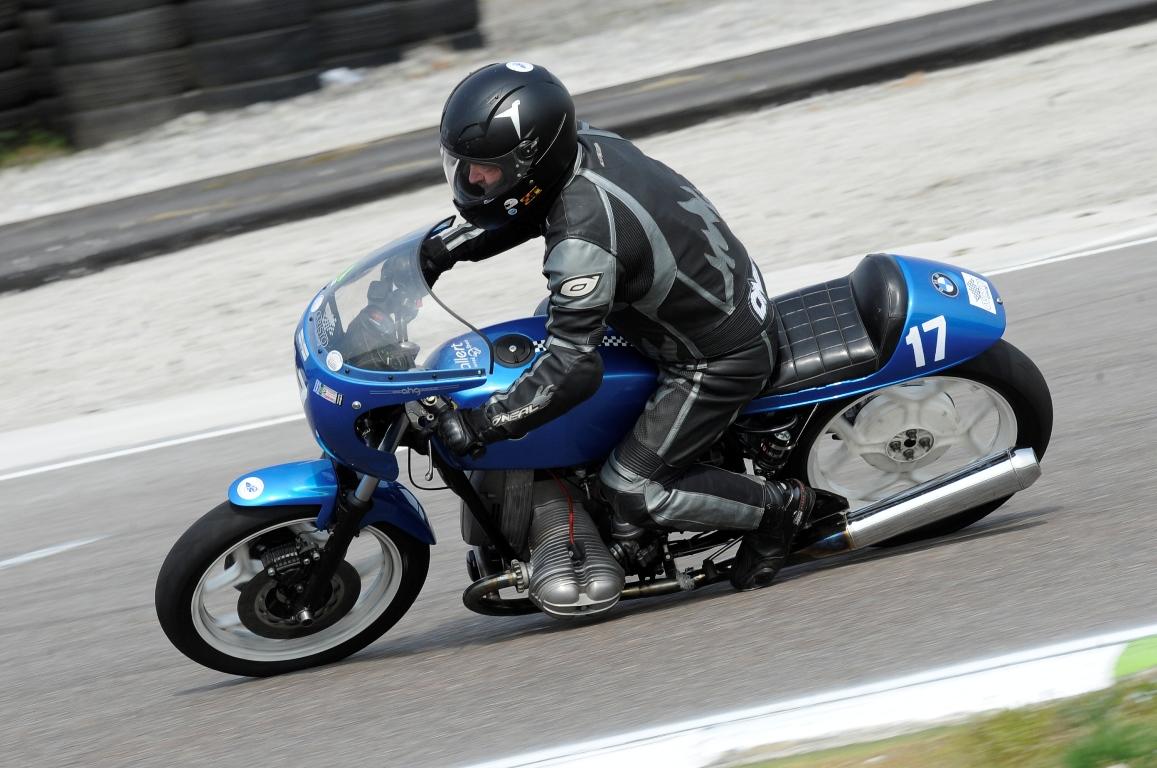 BMW800Links