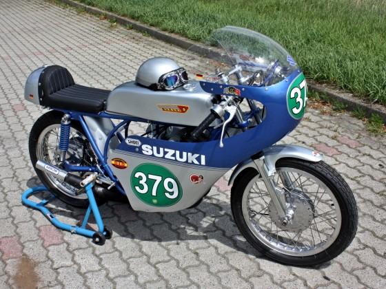SUZUKI TR-250