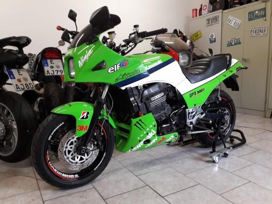 GPZ 900 RR