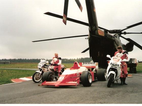 Vor dem Verladen der Fahrzeuge in die CH 53 am Nürburgring 1987