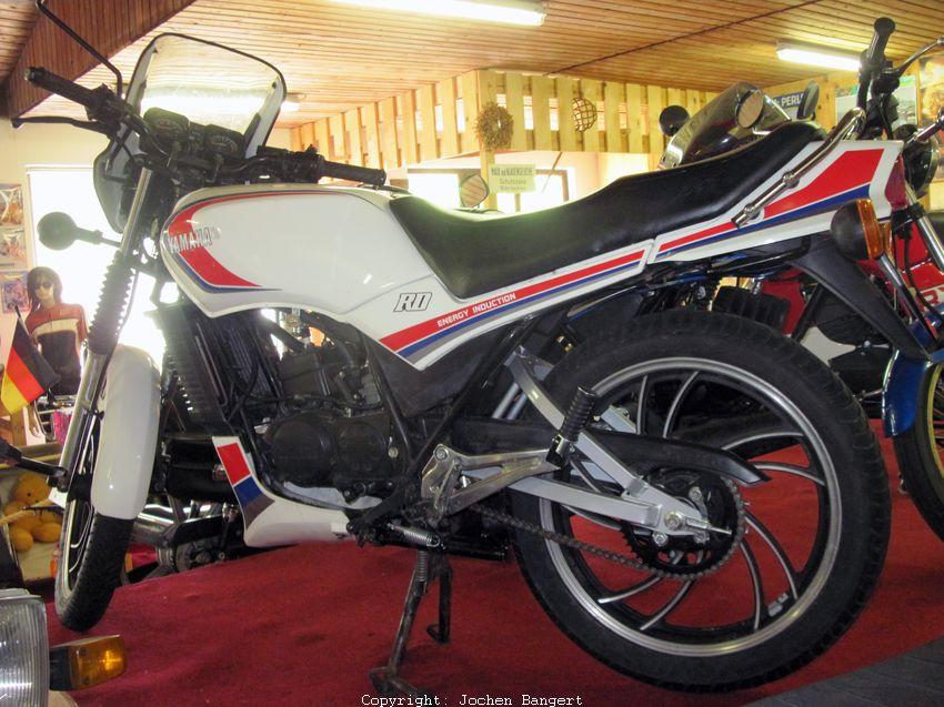 yamaha 80 ccm motorrad motorrad bild idee. Black Bedroom Furniture Sets. Home Design Ideas